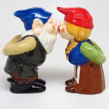 KISSING GNOMES SALT AND PEPPER SHAKERS