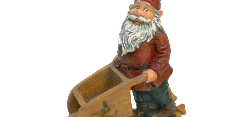 GARDEN GNOME PUSHING A WHEELBARROW