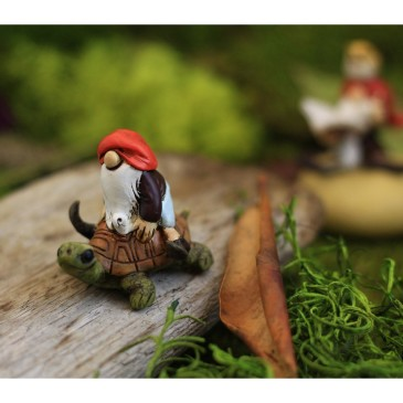 MINI TERRARIUM GNOME RIDING TURTLE